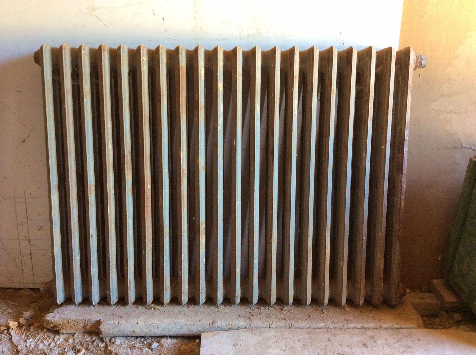 Vends radiateur fonte entièrement décapé