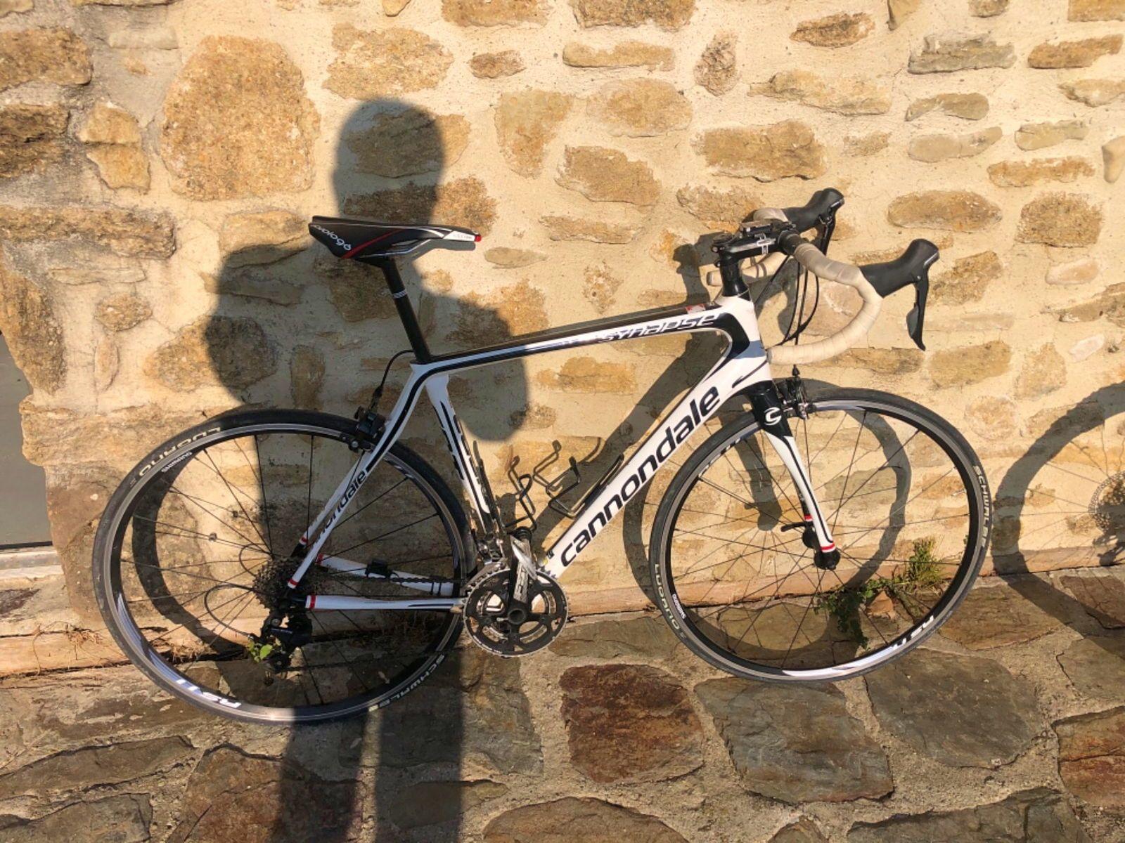 Vends vélo de route Cannondale Synapse 56