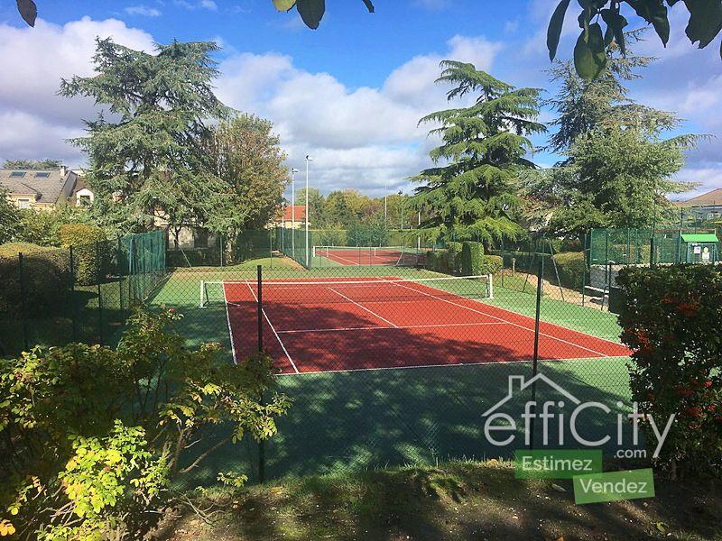 Vends 3pièces, 70m² - 2chambres, Rueil Malmaison (92) piscine, tennis
