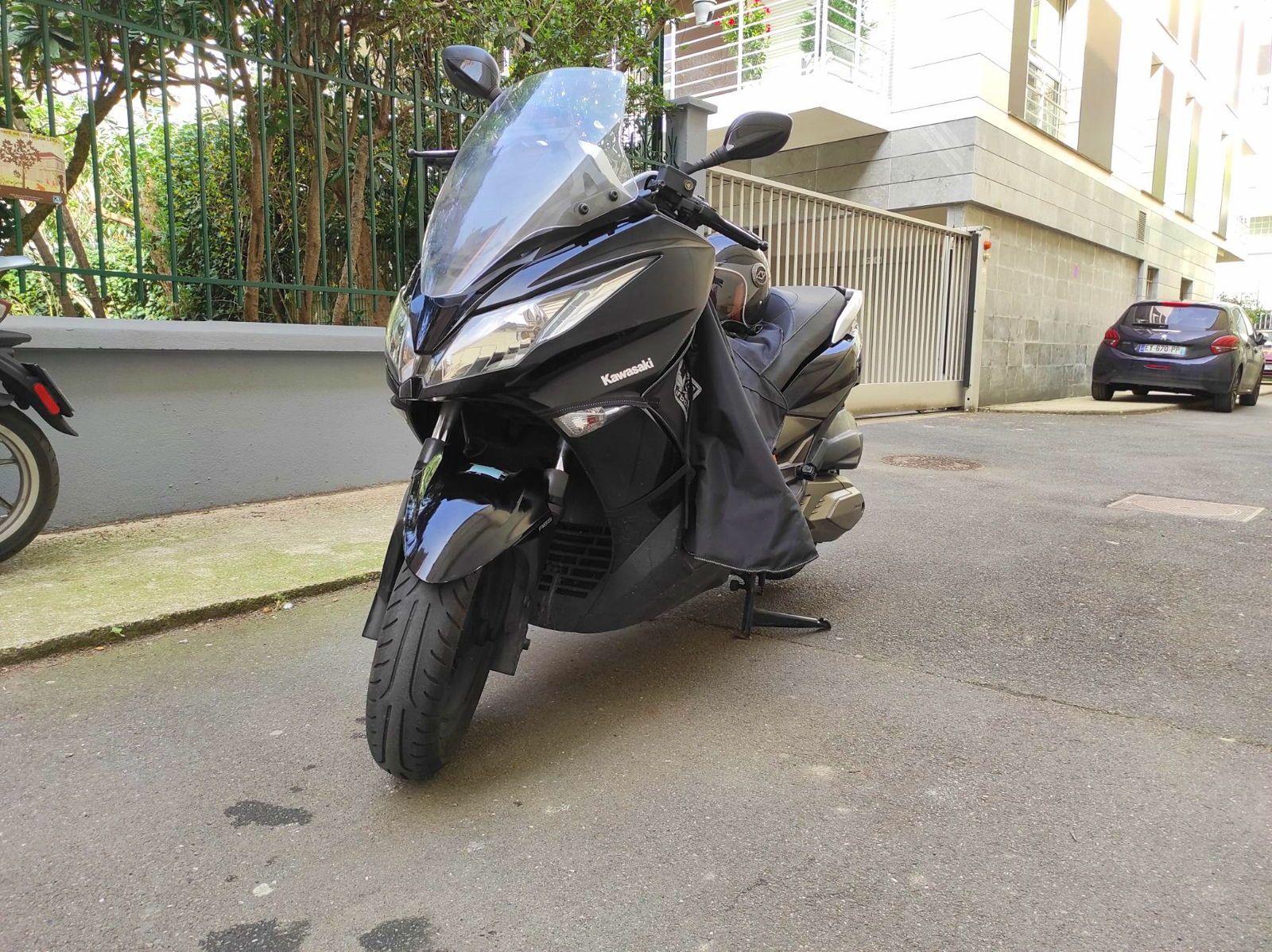 Vends Scooter Kawasaki J300ABS (300cc) 35000Km
