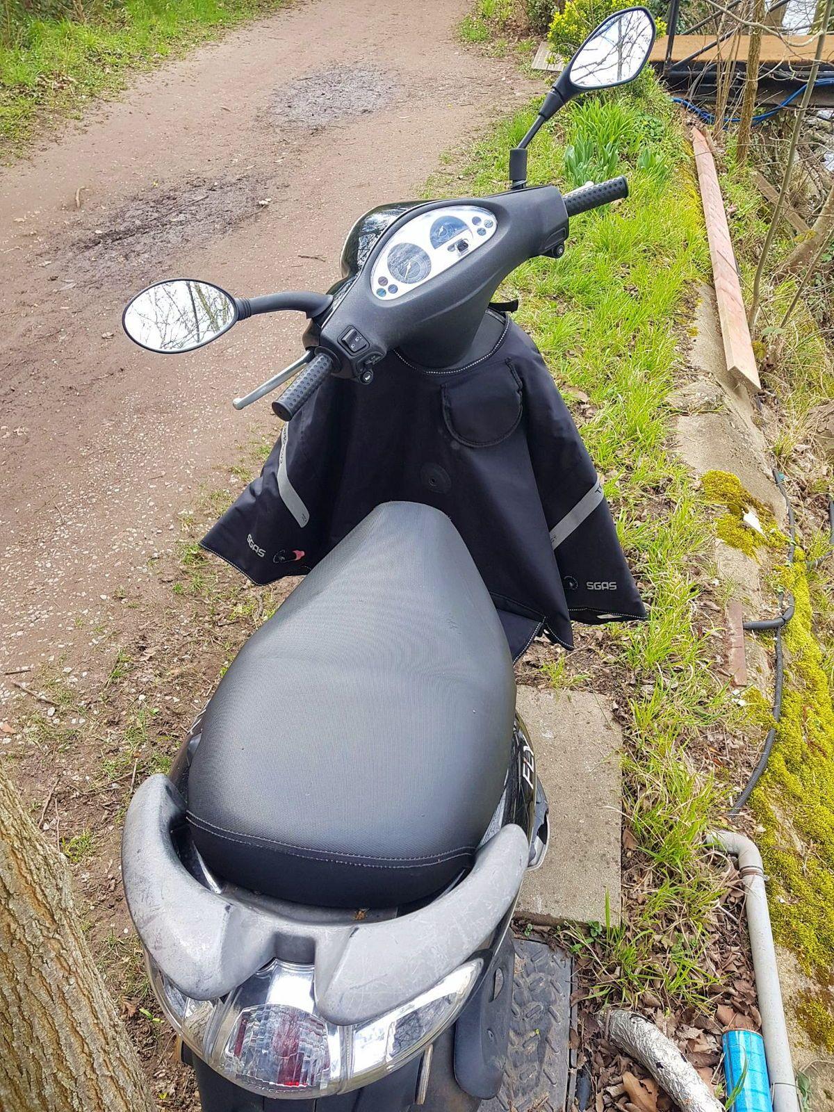 Vends scooter Piaggio Fly 50cm32T - 3000km 2010