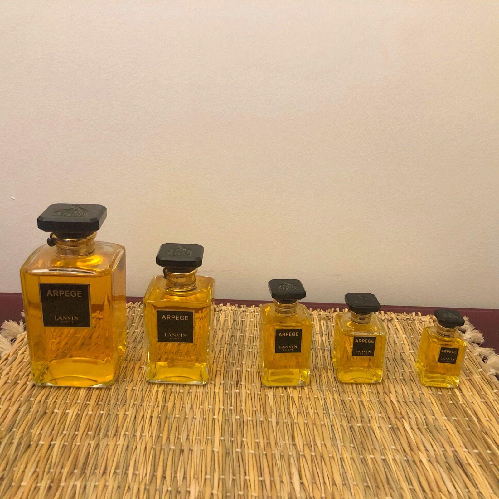 Vends série de cinq parfums Arpège de Lanvin Paris