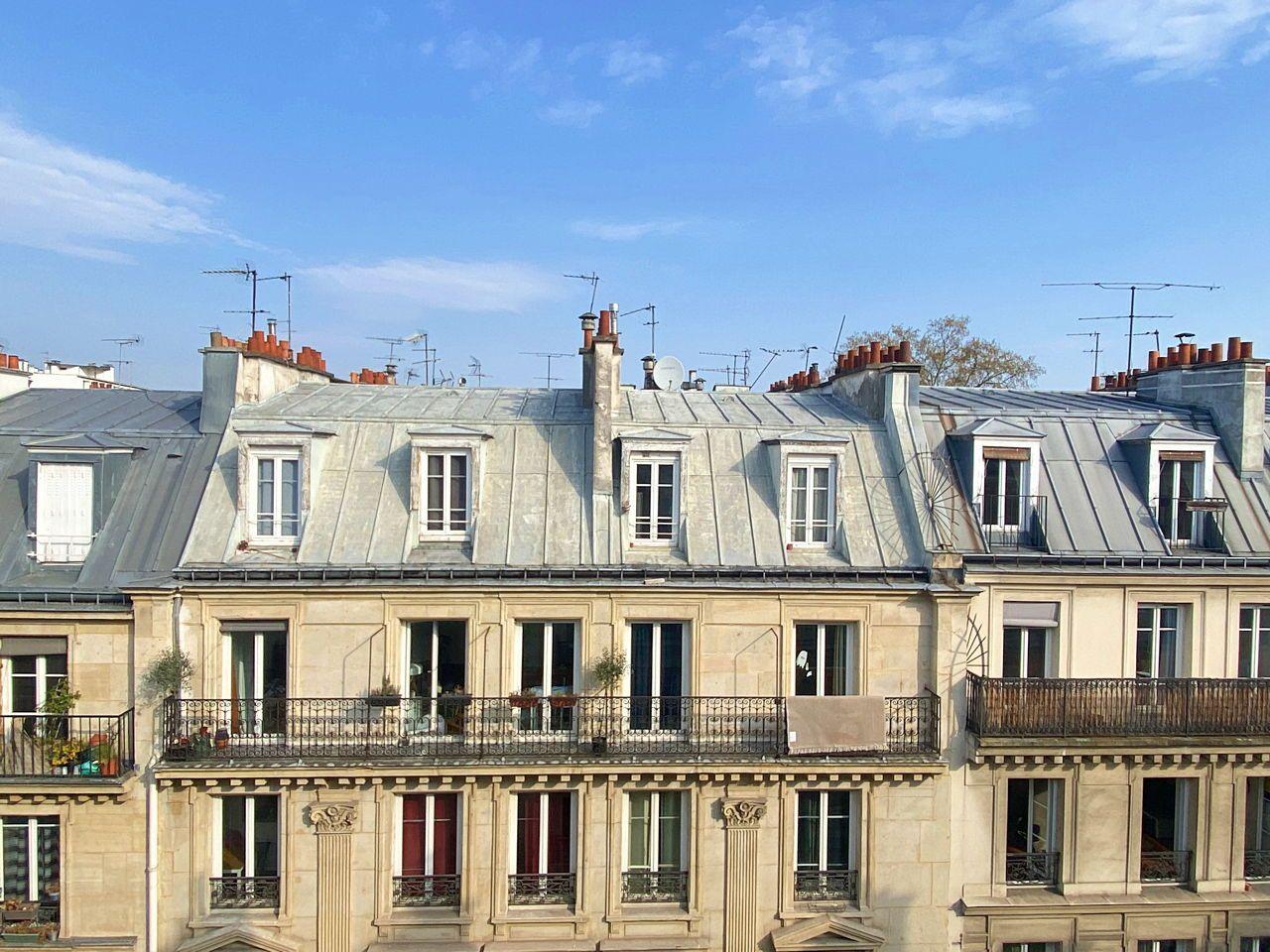 Vends Studio 16m² lumineux dernier étage Paris
