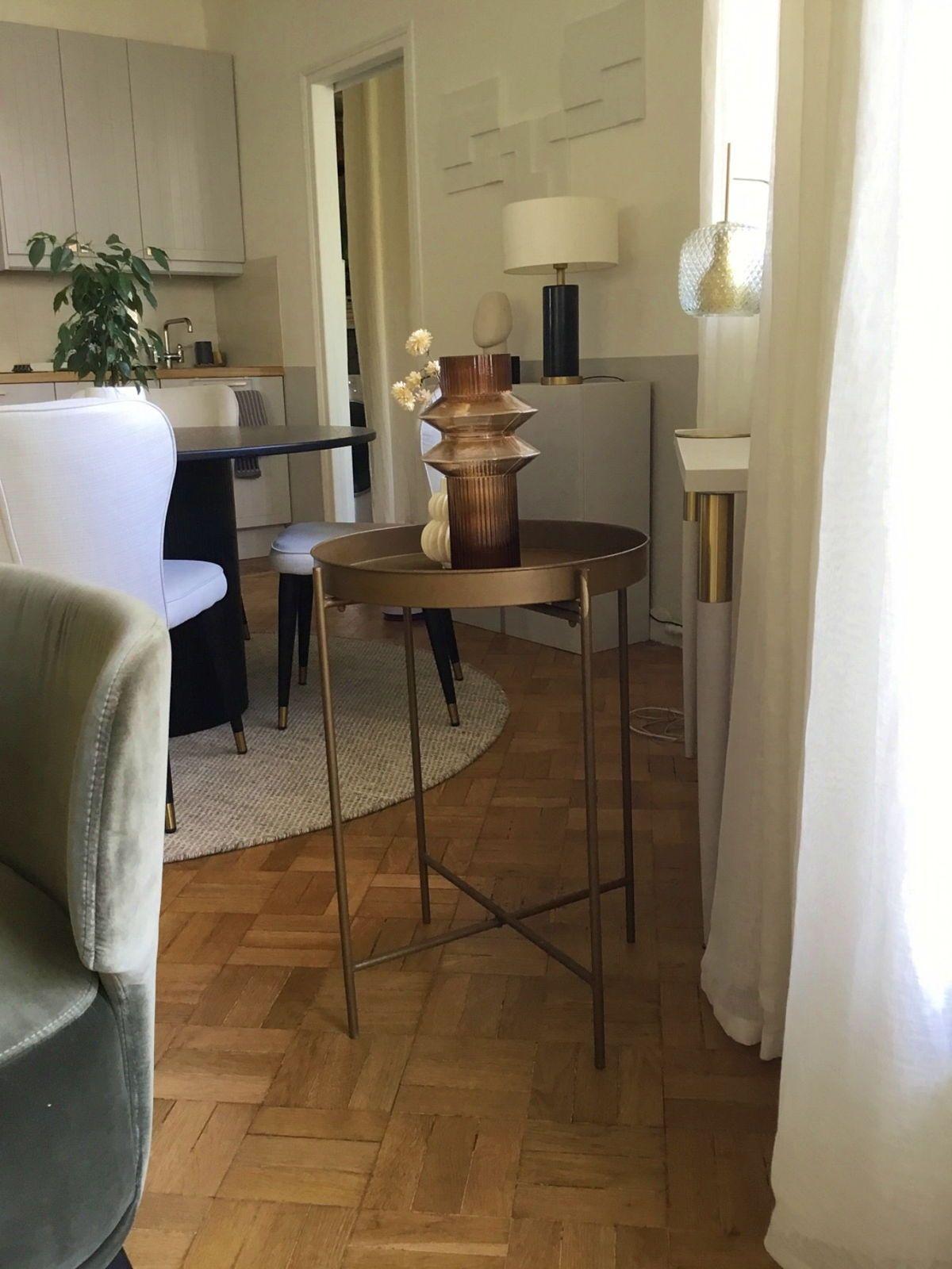 Vends table d'appoint en métal couleur laiton vieilli