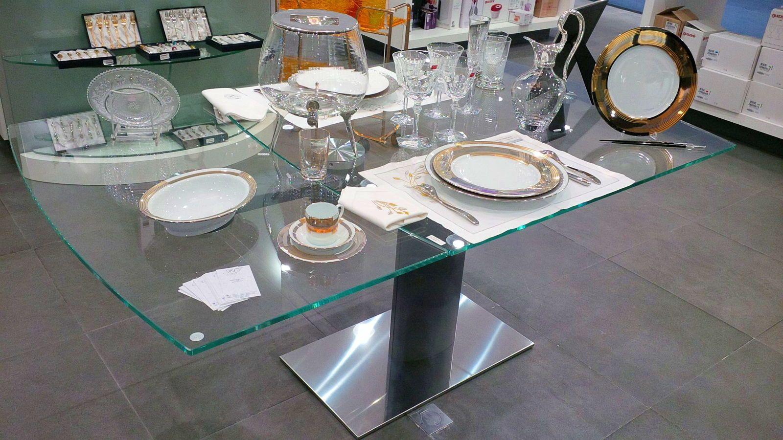 Vends table de salle à manger extensible en verre