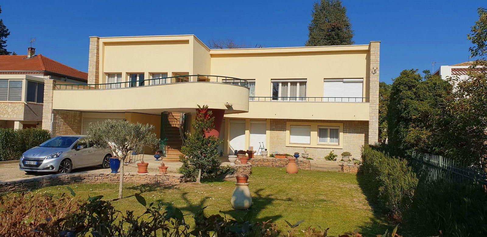 Vends villa 1955,188m², 5chambres à Pierrelatte (26) Drôme