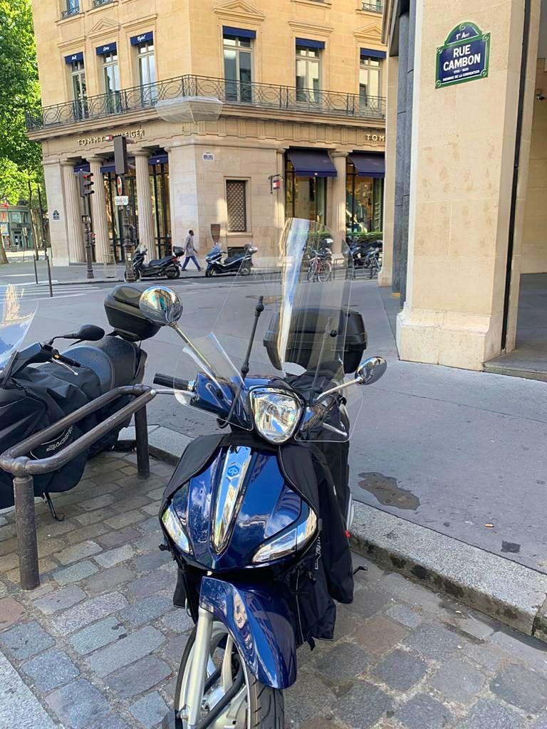 Vends Scooter piaggio 125avec abs excellent état - 600km - 2020