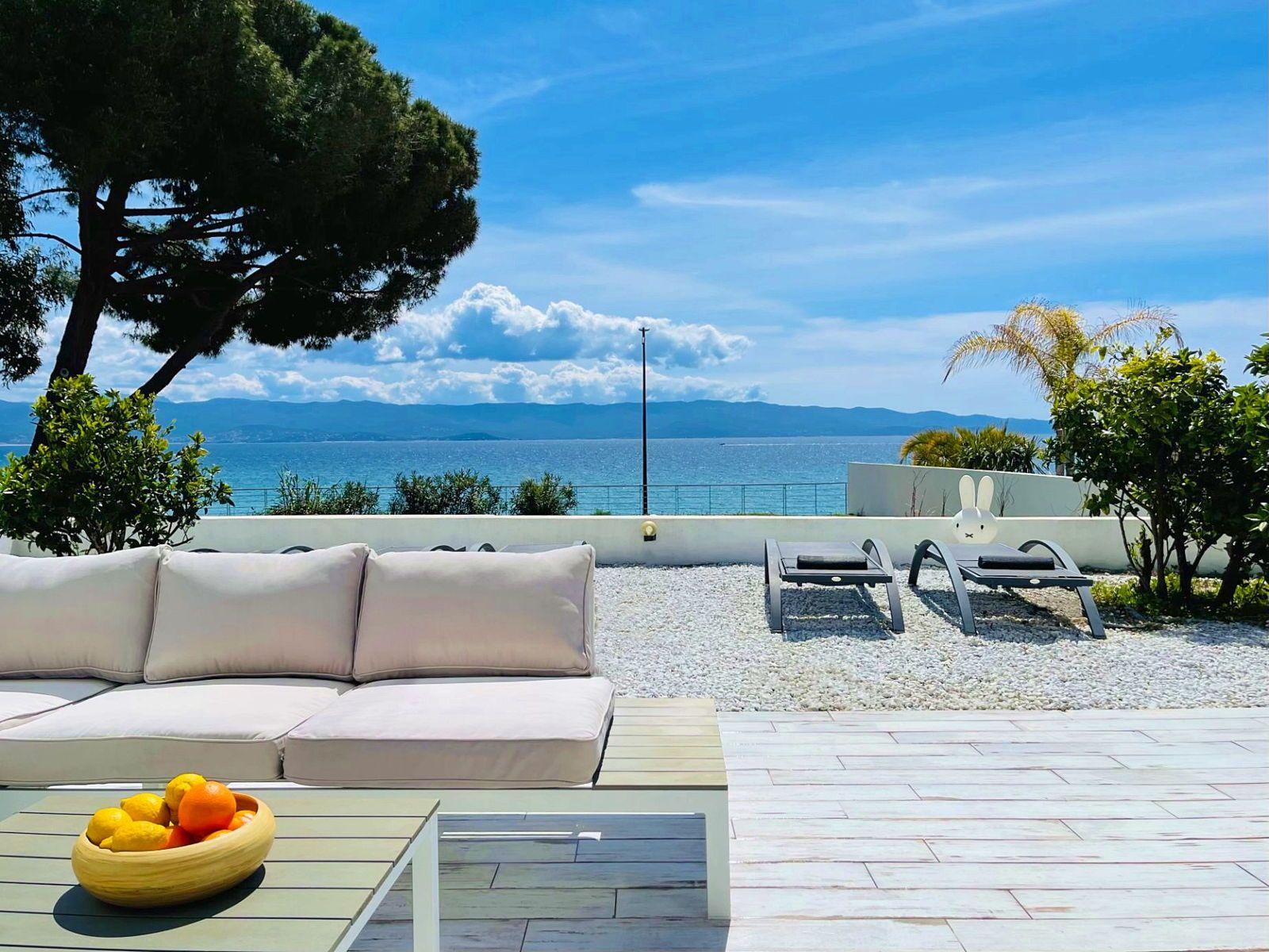 Loue Villa BIANCA, La mer dans votre jardin à Ajaccio - 3chambres - 6couchages