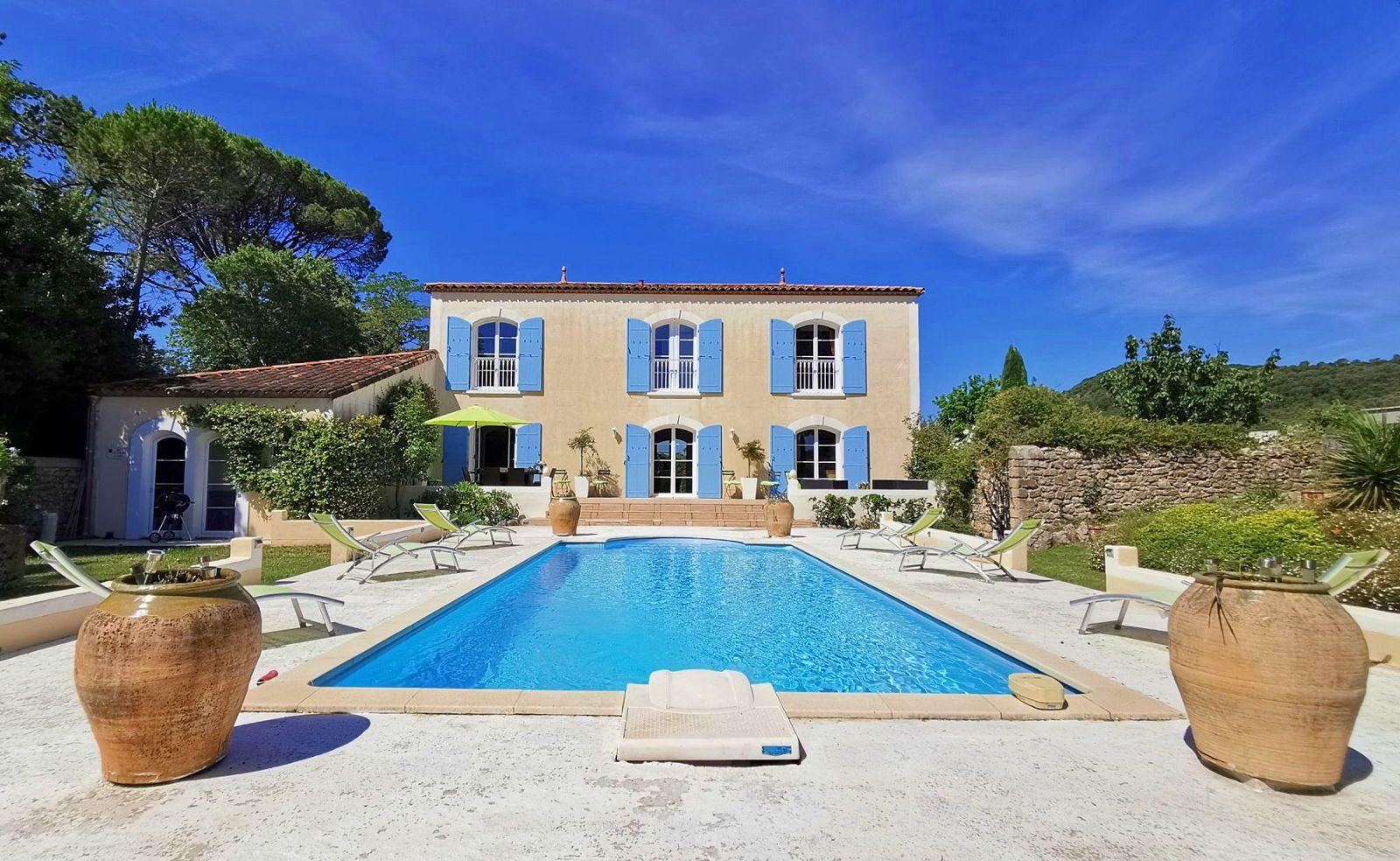 """Propose """"La Villa Ricôme"""", Gîte de Prestige dans le Sud de la France 8couchages"""